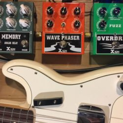 Xvive Fuzz Overdrive Wave Phaser & Delay Bass Demo